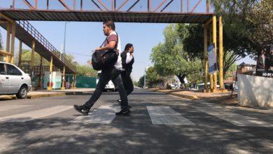 Estudiantes en contra de la remoción de puente peatonal en CU