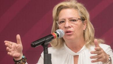 Josefa González Blanco, titular de SEMARNAT renuncia al presidente AMLO tras retrasar avión