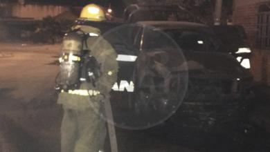 Desconocidos queman patrulla en Uruapan