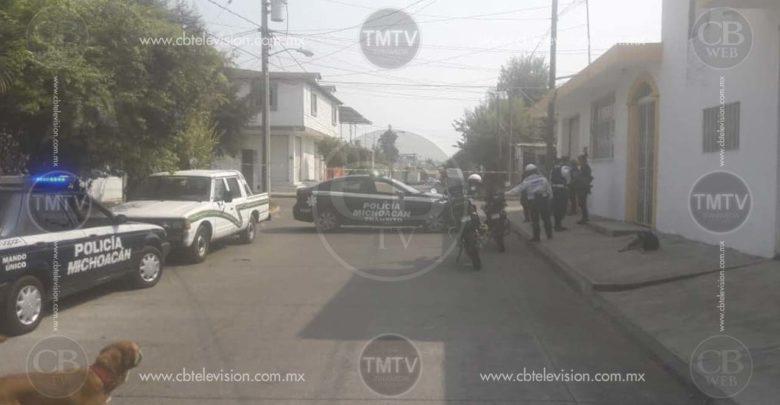 Atacan a balazos a una mujer en Uruapan