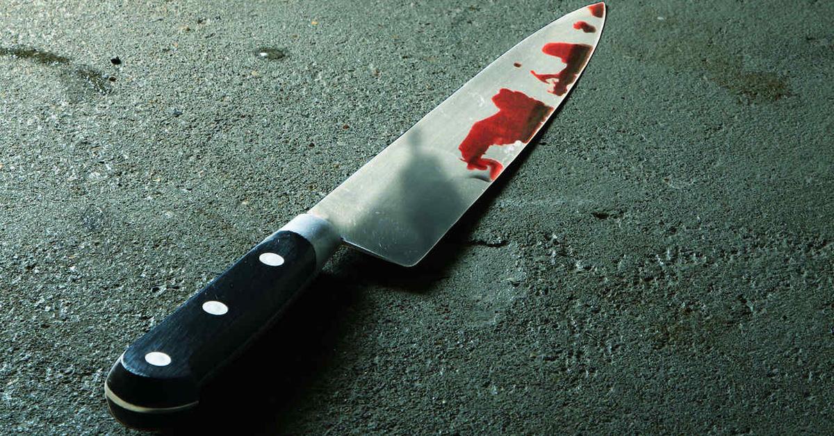 Asesinó a su novio de 62 años y durmió con el cadáver una semana