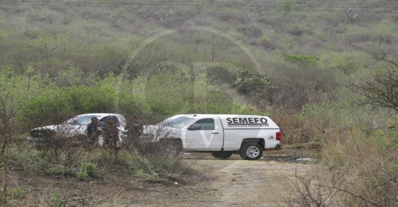 Encuentran cadáver en estado de putrefacción en la carretera