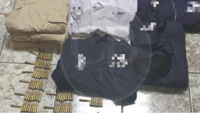 Arrestan a cinco gatilleros con equipo táctico, cartuchos y un auto