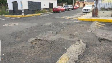 Vecinos de Lomas de Hidalgo hartos de los baches sobre sus vialidades