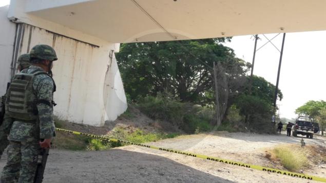 Hallan cuerpo decapitado en Lázaro Cárdenas