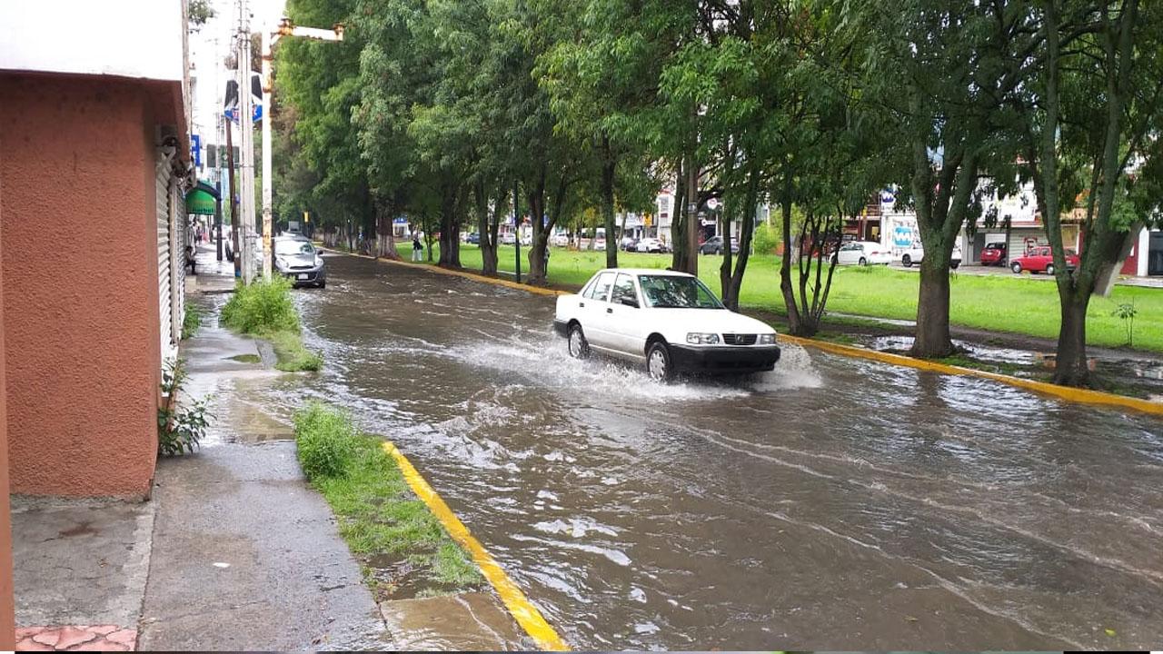 Continúan inundaciones en Morelia debido a las frecuentes lluvias