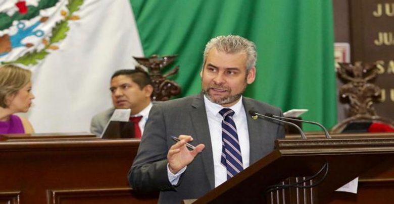 Diputado Alfredo Bedolla, busca inclusión de género en puestos públicos