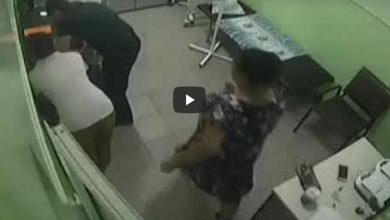 Video: Médico reanima a bebé solo con sus manos