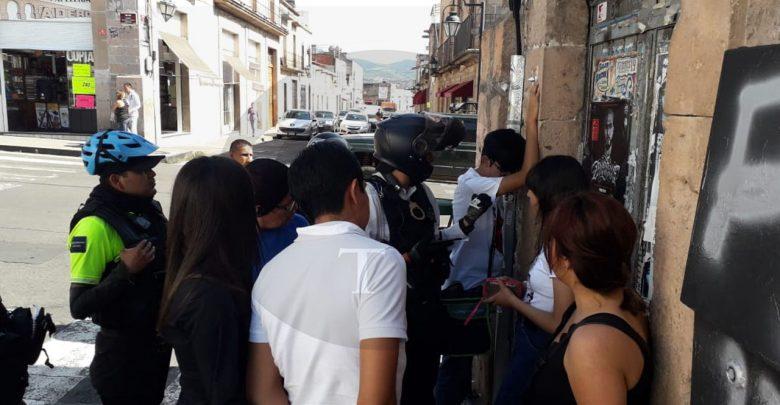 Pelea entre novios en el Centro Histórico termina con la intervención de la policía