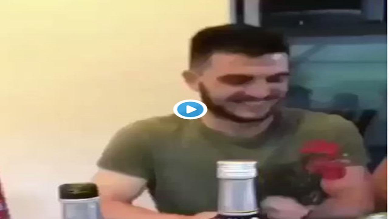 Video: Deportista se graba decapitando un gallo de una mordida