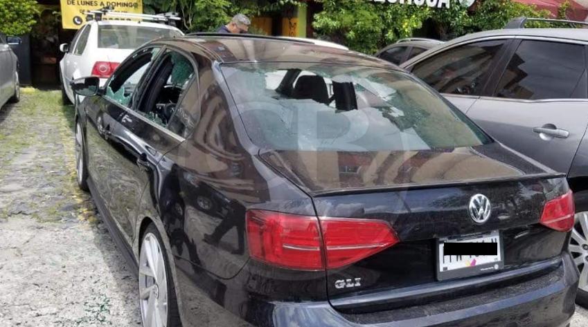 Acribillan a 3 en Zapopan, viajaban en un carro con placas de Michoacán