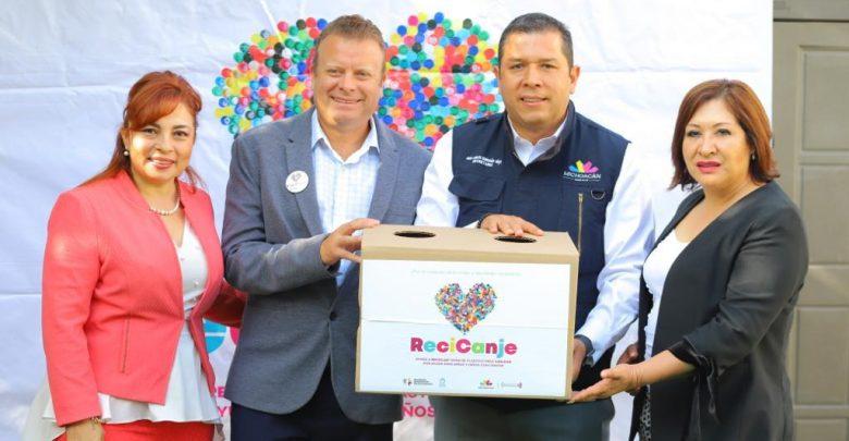 Invita Sedesoh a juntar tapas de plástico para ayudar a niñas y niños con cáncer