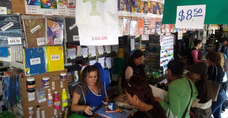 Familia michoacanas gastan un promedio de mil 500 pesos en útiles escolares