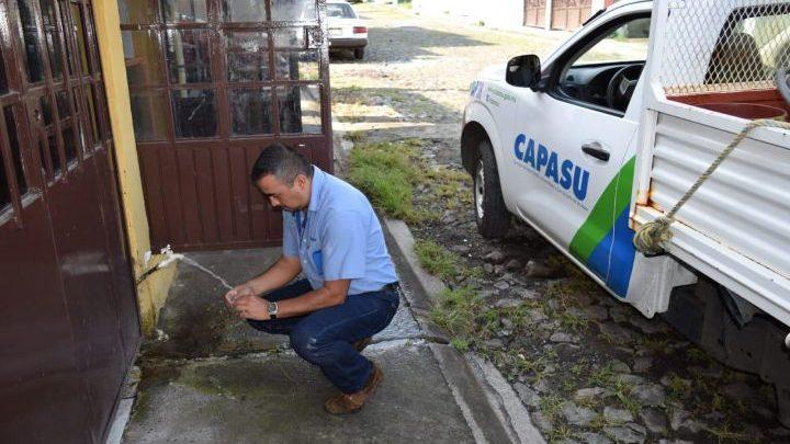 Capasu realiza pruebas de calidad de agua en Uruapan
