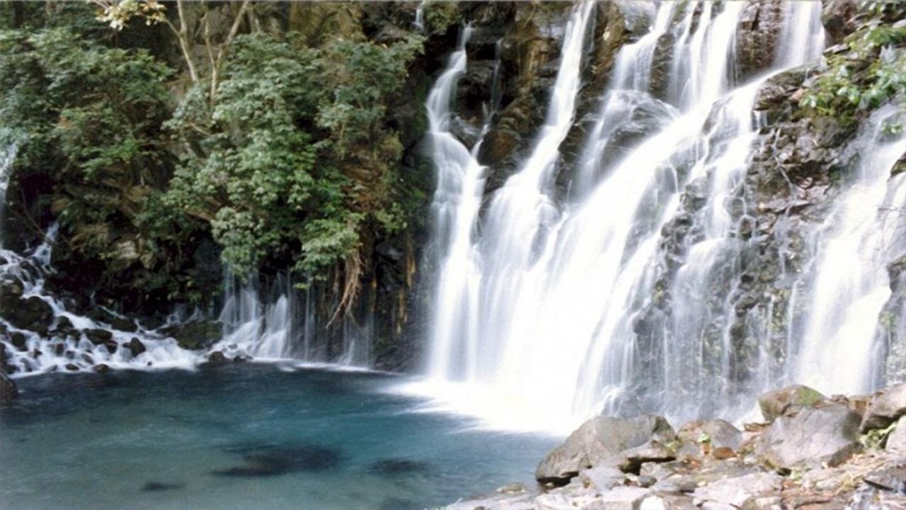 a Tzararacuita, cascada desconocida por los uruapenses