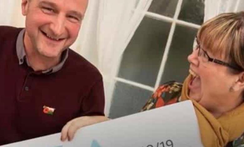 Mujer se entera de que superó el cáncer y 10 minutos después se saca la lotería