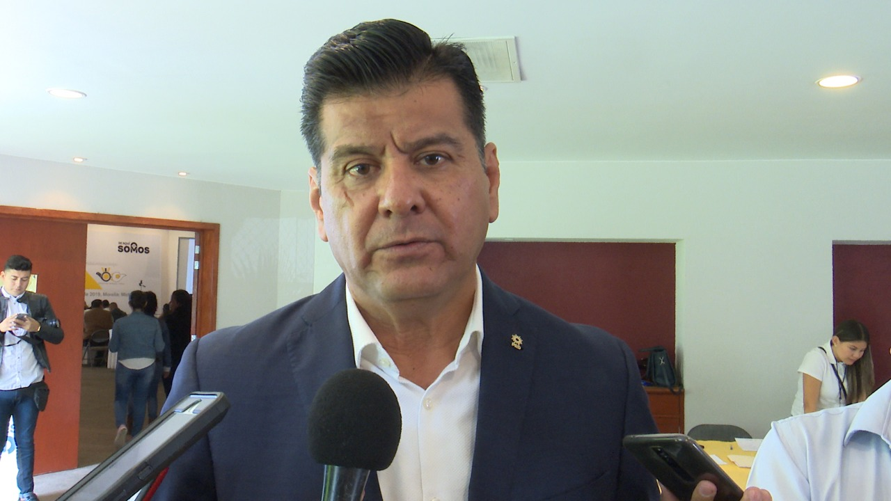 Raúl Morón Orozco tiene que que hacer una revisión de su gabinete: Bernardo Corona - CB Televisión