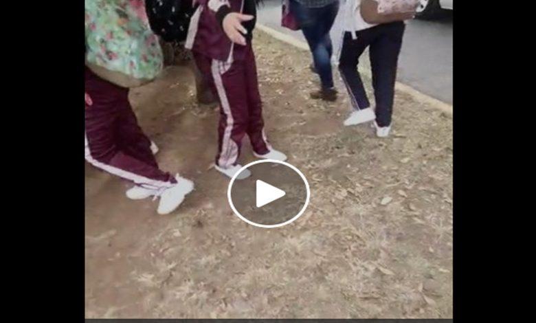 Video: Alertan por hombres que presuntamente graban a menores afuera de secundarias en Morelia