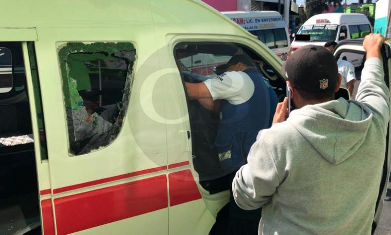 Morelia: Dos lesionados tras choque entre motopatrulla y combi