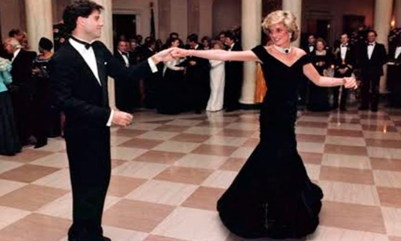 Subastan vestido de Lady Di con el que bailó con John Travolta