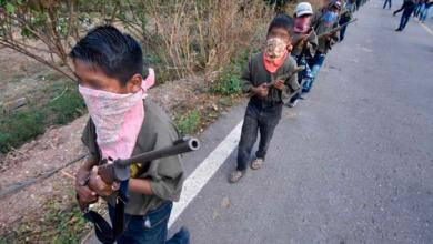 Photo of Indígenas arman a sus niños para defenderse contra los Ardillos