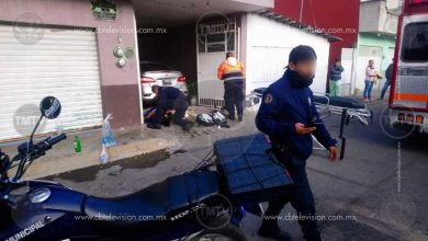 Photo of Policías de tránsito rescatan a familia atrapada en casa incendiada