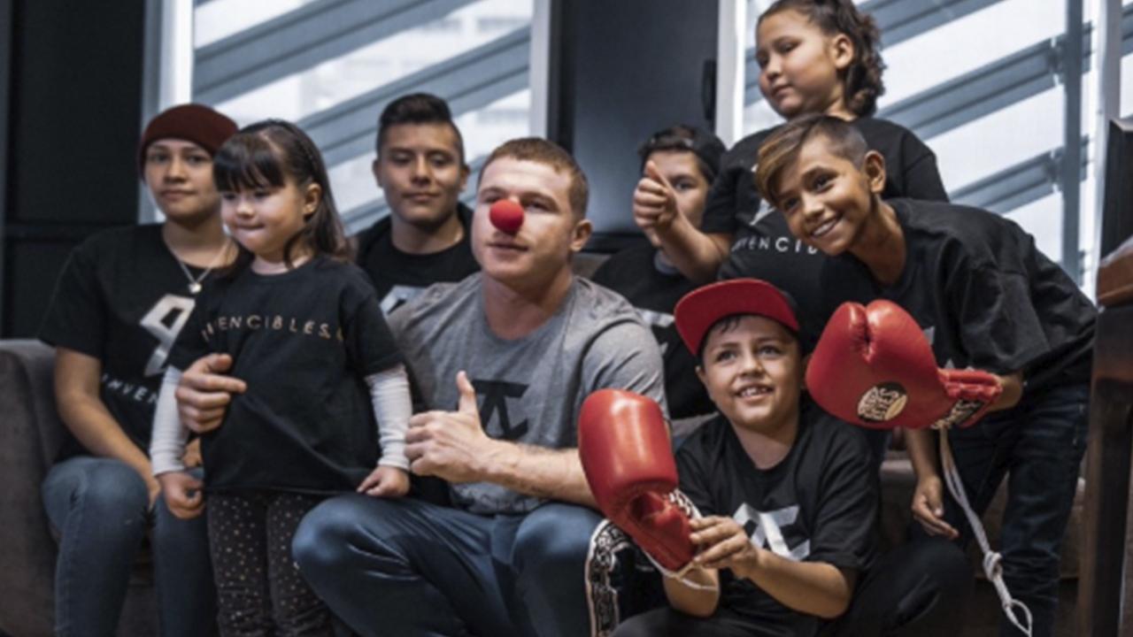 ¡Héroe sin capa! 'Canelo' Álvarez regala tratamientos para niños con cáncer