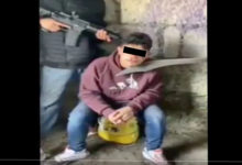 Photo of VIDEO (+18): CJNG interroga a niño sicario de Huetamo; lo descuartizan