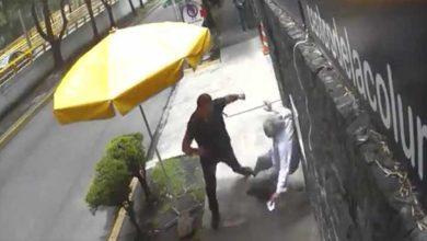 Photo of Video; Hombre agrede a adultos mayores