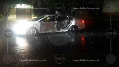 Photo of Daños materiales deja choque de autos en libramiento de Morelia