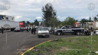 Photo of Colisionan tres autos en la salida a Pátzcuaro; entre ellos una patrulla del estado