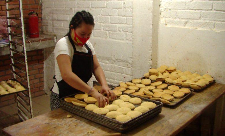 Verónica Estrada dueña de una panadería cuenta su experiencia frente a la pandemia.