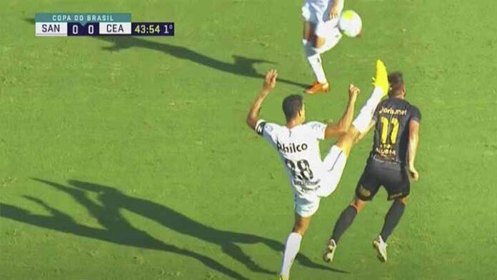 Propinan patada brutal en la cabeza a Rafa Sobis, en la Liga de Brasil