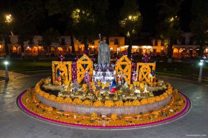 Pátzcuaro y la zona del lago preservan la tradición de la Noche de Ánimas: Víctor Báez
