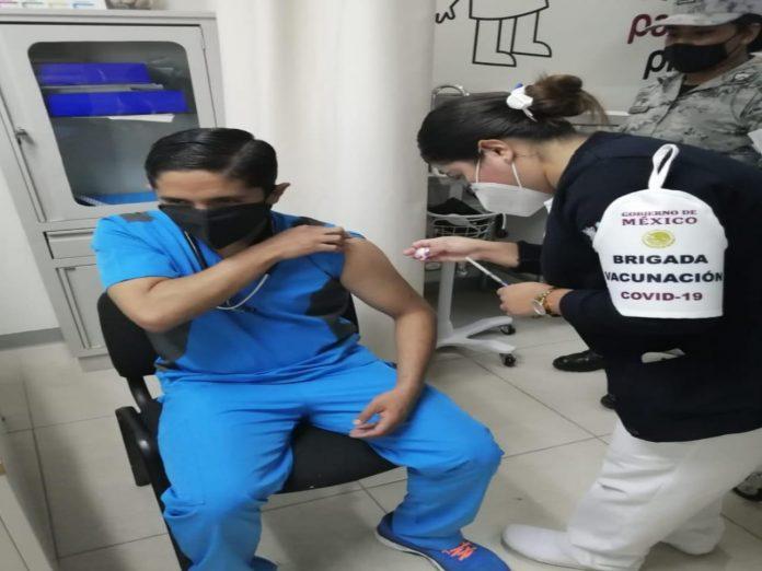 ¡Misión cumplida! Concluye primera fase de vacunación contra Covid-19 a trabajadores de salud pública