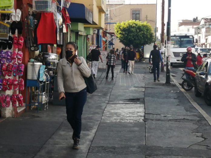 ¡Ojo! Las personas de entre 20 a 49 años son quienes más contraen Covid en Michoacán