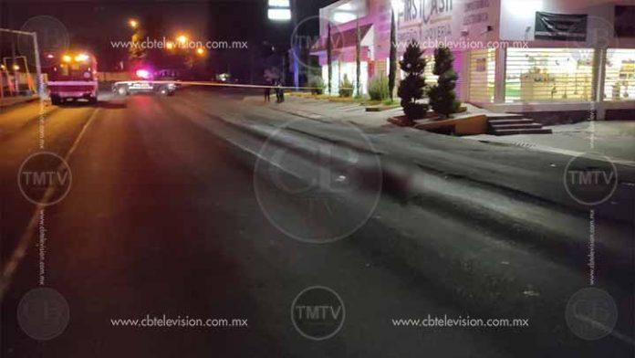 Muere atropellado por una camioneta en Uruapan