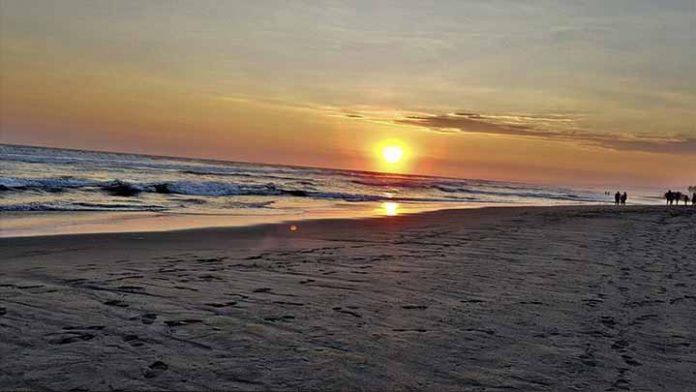 Este domingo se vivirá un clima agradable en las playas Lázaro Cárdenas