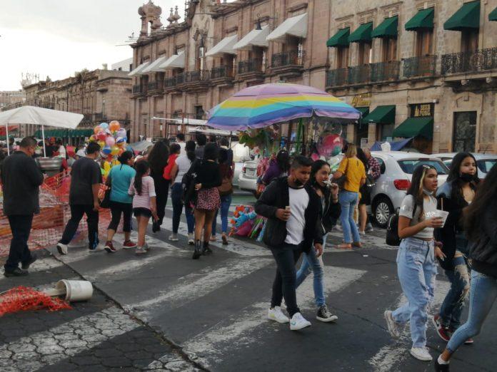 En Michoacán más de 95 mil dosis anti Covid-19 a población de 50 a 59 años
