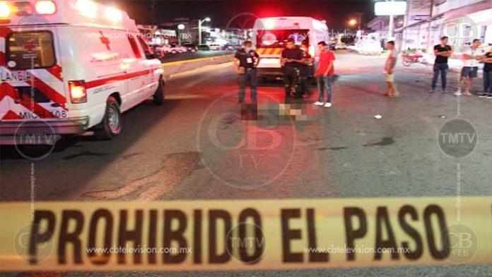 Motociclista atropella a dos mujeres en Lázaro Cárdenas; una muere