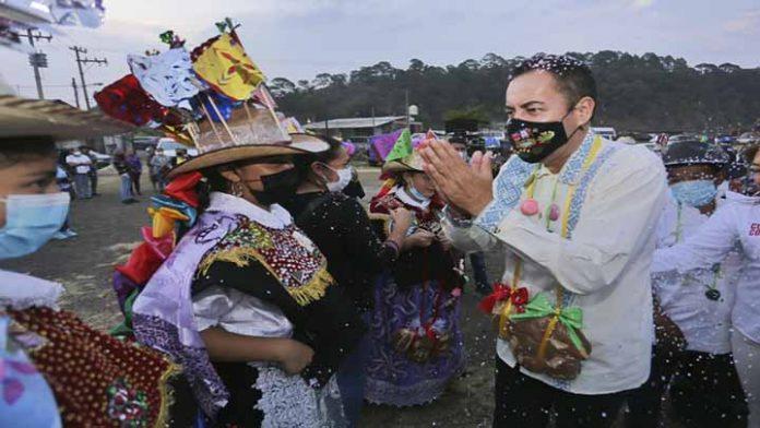 Carlos Herrera visita municipios de la meseta Purépecha