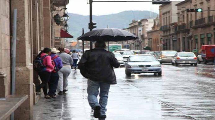 Saca el paraguas, se esperan chubascos puntuales fuertes en Michoacán