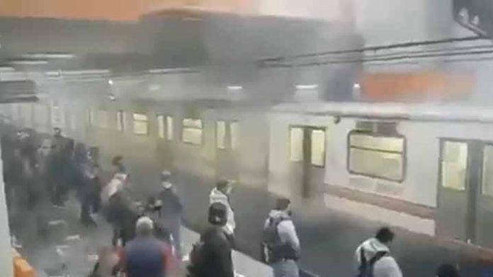 Reportan inusual humo saliendo del Metro en Pantitlán