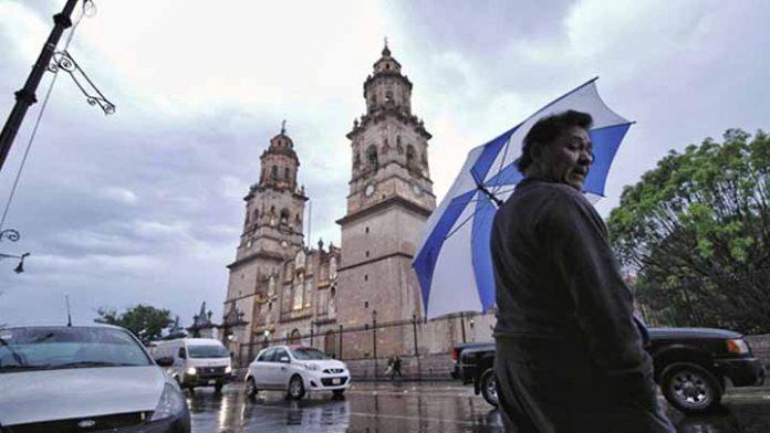 No olvides el paraguas, pronostican que volverá a llover en Morelia