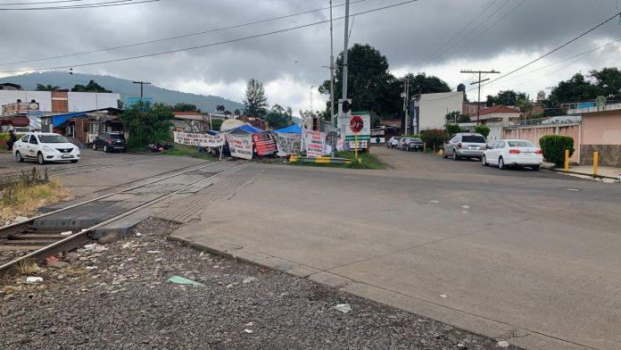 Casi mil millones de pesos en pérdidas por 18 días de bloqueo en Caltzontzin