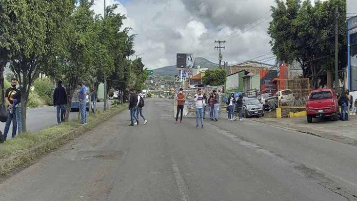 Profesores anuncian actividades de bloqueo esta semana en Morelia