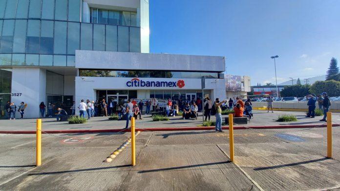 ¡Atención! Profesores bloquearán Centro Comercial La Américas este 15 de septiembre