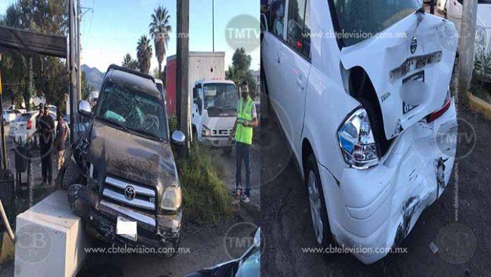 Camionetas sin frenos choca dos vehículos afuera de la Fiscalía de Michoacán